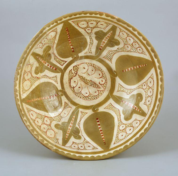 Чаша Мавераннахр Бинкат Х век Фонд Марджани.jpg